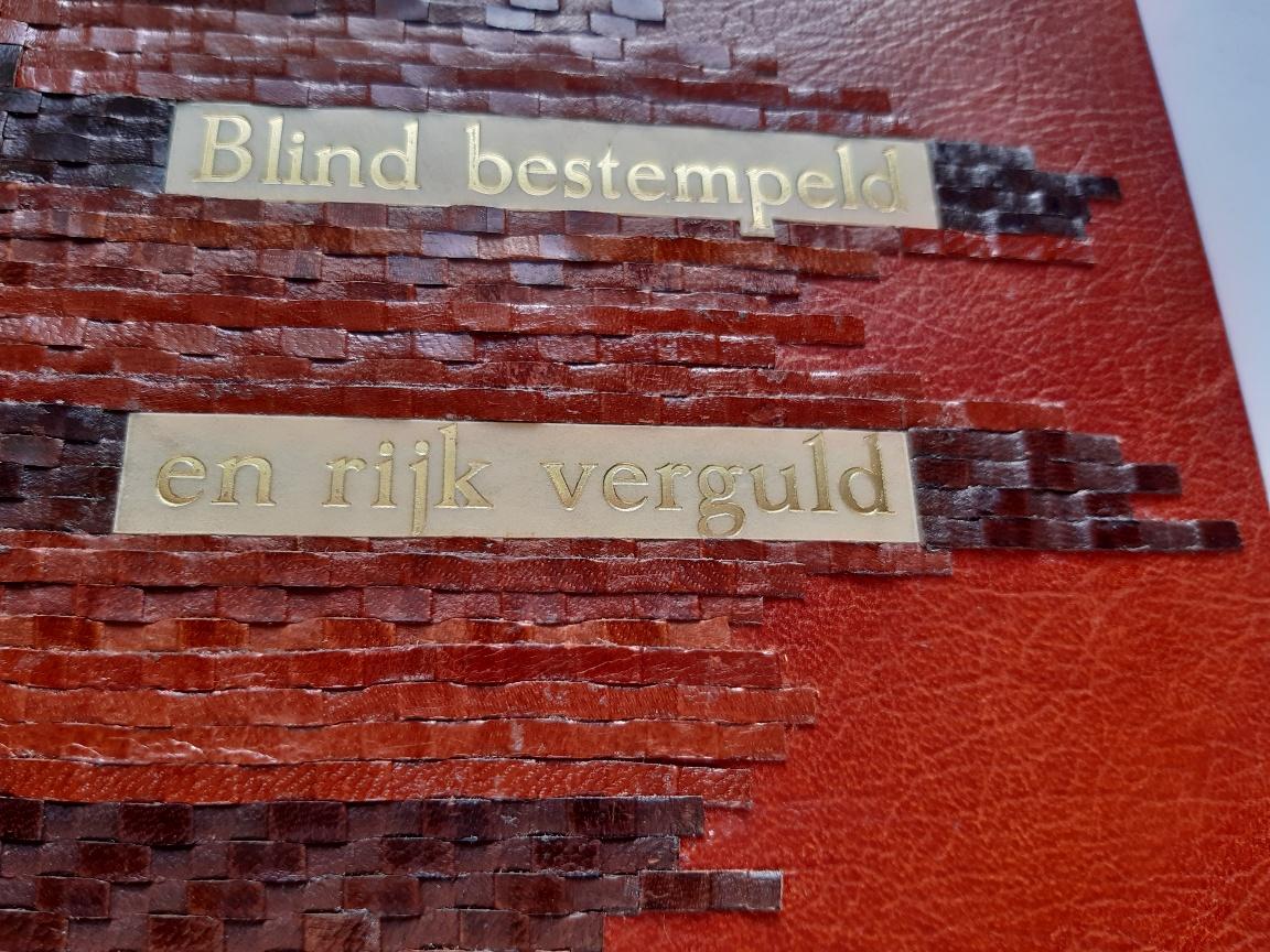 Gijs Wortel | Blind bestempeld en rijk verguls, detail